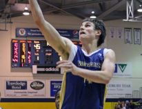 MBB | 20 point comeback gives Voyageurs the win over Algoma, 79-78