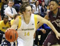 Voyageurs Take Down Lions to Move onto Second Round